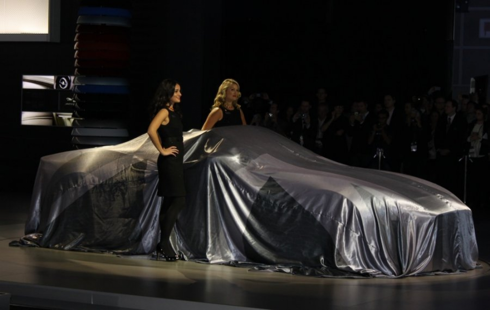 Reveal Car Covers Classic Additions Ltd - Show car cover